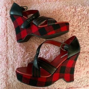 Red plaid wedges